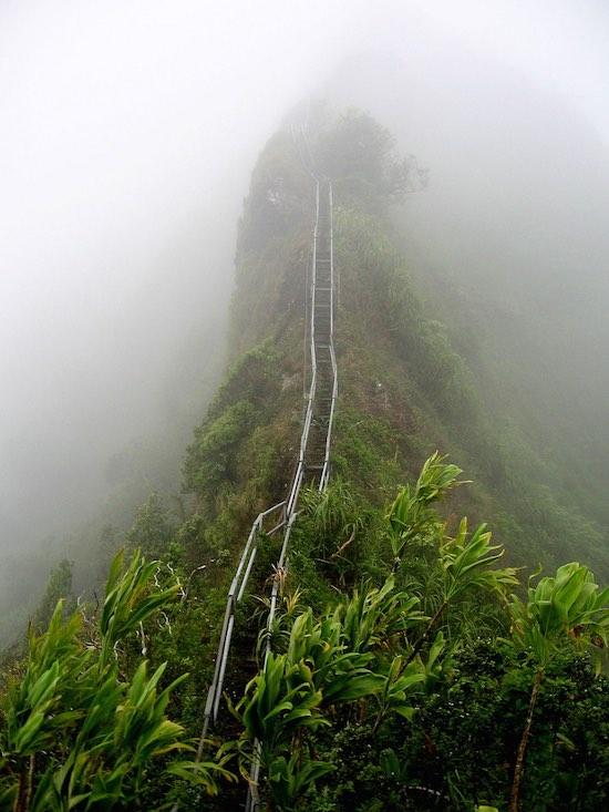De 'Stairway to Heaven' op Hawaï (foto: Wikimedia)